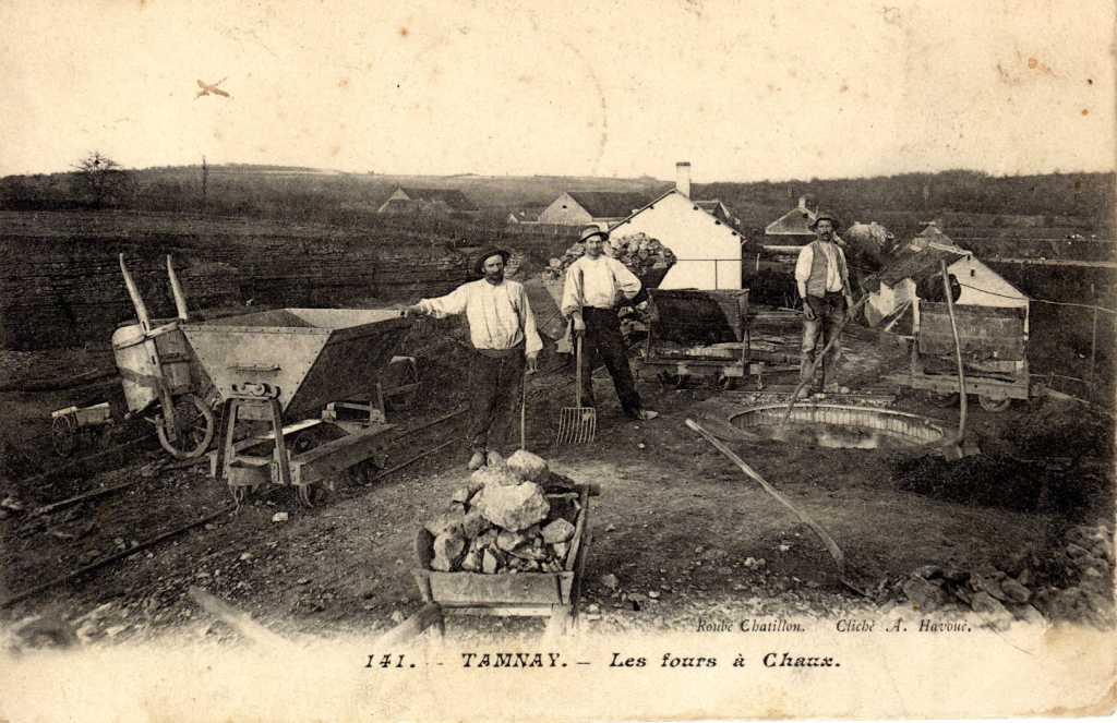 http://www.chaux-de-ternant.com/images/chaufourniers.jpg
